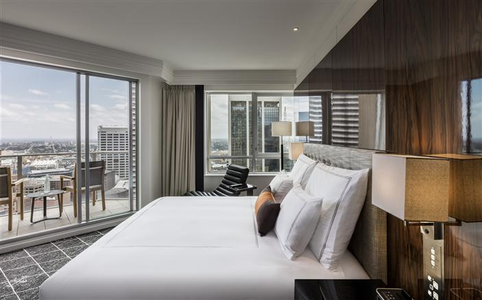 10 Luxurious Hotel Rooms In Sydney That Spark Romance